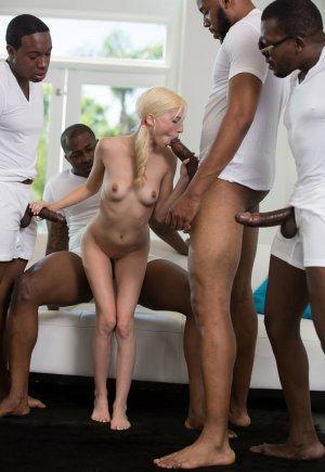Пайпер Перри миниатюрная блондинка против толстых черных членах