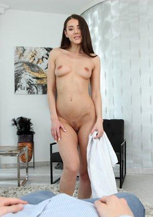 Прекрасные фото порно как красавица сосёт и трахается картинка 2